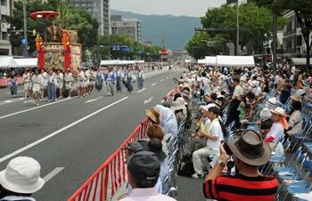 山鉾巡行の有料席