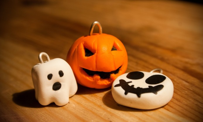 halloween-toys-pumpkin-ghost-key-chains-pattern-