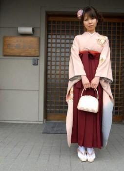 袴 臙脂色