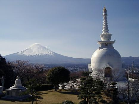 富士仏舎利塔