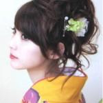 卒業式の袴に似合う髪型、黒髪で人気のヘアアレンジとアクセサリーは?